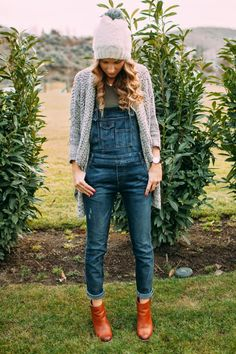 Overalls, boots and a long cardigan - winter style perfection!