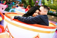 tea cup ride...wish I could take engagement photo's at Disney World...awesome!