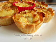 Tartas pasteles dulces y salados by MPop: Cestas de obleas con tortilla de patatas y bolitas...
