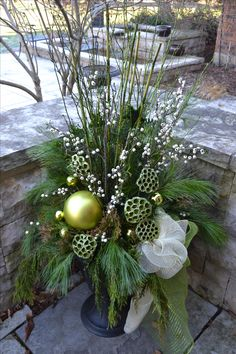Doing a Green Christmas Urn Outdoor Christmas Planters, Christmas Urns, Elegant Christmas Decor, Christmas Front Doors, Christmas Flowers, Outdoor Christmas Decorations, Green Christmas, Winter Christmas, Christmas Wreaths