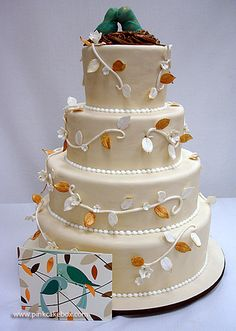 Click to enlarge Love Birds Wedding Cake