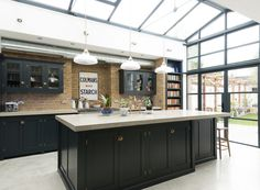 Would you like to renovate your home kitchen, but without updating all things in it? By merely enhancing your kitchen area, you can give the complete room a facelift. Kitchen Tips Urban Kitchen, Kitchen Living, New Kitchen, Kitchen Tips, Kitchen Ideas, Devol Kitchens, Black Kitchens, Home Kitchens, Kitchen Diner Extension
