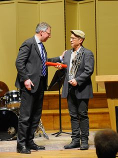 Dave Douglas (International Jazz Artist in Residence) receives Honorary Membership of the Royal Academy of Music from the Principal, Jonathan Freeman-Attwood. © Royal Academy of Music, January 2013