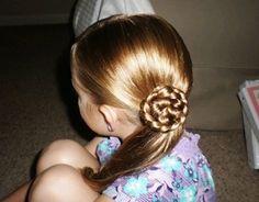 #Acconciature per le bambine con i #capelli lunghi: Pettinature trendy alla moda e Pettinature classiche