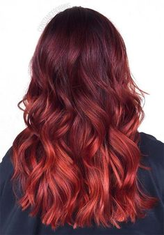 100 Badass Red Hair Colors: Auburn, Cherry, Copper, Burgundy Hair Shades Red hair colors will always have a warm place in my heart. I stuck to red and burgundy hair colors Hair Color Auburn, Ombre Hair Color, Hair Colors, Auburn Hair, Auburn Bob, Colour Melt Hair, Auburn Colors, Auburn Ombre, Brown Ombre Hair