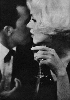 hanahurtova:  Marilyn photographed at the Golden Globes, 1962