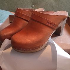 24 hr SALESweetish Hasbeens clogs cognac 36/6 Amazingly comfortable and chic!  Wood in great condition.  Light wear on heels, otherwise in great shape.  Will last a lifetime! Swedish Hasbeens Shoes Mules & Clogs