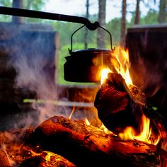Coffee break in wilderness, Kemihara, Savuoski, Finland; by Heikki Rantala