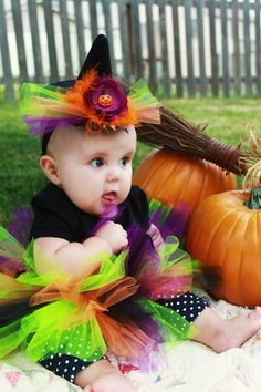 cute witch hat for baby. AHseriously cute witch hat for baby. Homemade Witch Costume, Baby Witch Costume, Witch Costumes, Baby Costumes, Devil Costume, Halloween Costumes 2014, Baby Halloween Outfits, Halloween Witch Hat, Halloween 1st Birthdays