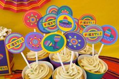 Mexican Fiesta 5 de mayo party pdf printable cupcake toppers and wrappers #catchmyparty #partyideas #fiestacupcakes #cincodemayocupcakes