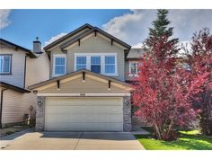 This terrific home has much to offer, with a bright, open floor-plan with lots of windows, extensive hardwood & ceramic tile flooring, spacious family room with inviting fireplace & gorgeous kitchen w