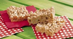 Cheerios* Marshmallow Bars recipe and reviews - What could be better than Cheerios* and marshmallows in a bar?