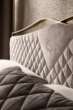Luxury Bedroom Furniture, Luxury Bedroom Design, Bedroom Bed Design, Bed Furniture, Bed Headboard Design, Headboards For Beds, Wall Wardrobe Design, Latest Bed, Steel Bed