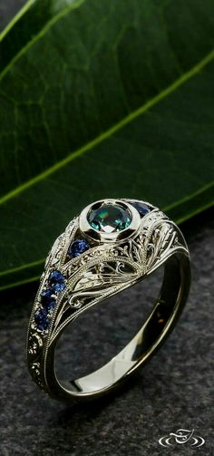 Edwardian alexandrite and sapphire engagement ring by Greenlake Jewelry Works Diamond Jewelry, Jewelry Rings, Jewelry Box, Jewelry Accessories, Fine Jewelry, Jewelry Design, Jewelry Stores, Jewlery, Cheap Jewelry