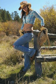 country girls 920 12 Need a costume…go as a smokin hot country girl HQ Photos) Sexy Cowgirl, Cowboy And Cowgirl, Cowgirl Style, Cowboy Hats, Cowgirl Fashion, Cowgirl Jeans, Gypsy Cowgirl, Real Country Girls, Country Girl Style
