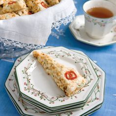 These sweet Pumpkin-Cranberry scones perfectly capture the iconic flavors of fall. Tea Recipes, Snack Recipes, Scone Recipes, Breakfast Recipes, Breakfast Club, Appetizer Recipes, Recipies, Cranberry Scones, Savory Scones