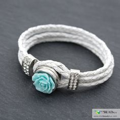 Find all the material needed to create this jewel and various learning tools on jewelry making on our website and in our stores. http://www.clubbeadplus.com/Home