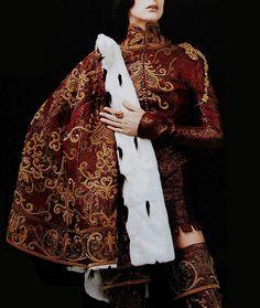 marthajefferson:  johngallianolesincroyables:  John Galliano for Christian Dior Fall Winter 1998 Haute Couture