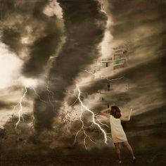 Independencia #selfportraits #conceptual #fotografia #dreams #surrealismo by Isabel Barranco