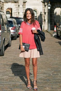 Chloe in London in a vintage skirt and Topshop top #streetstyle