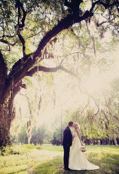 Os noivos são meros detalhes.