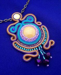 Lidia (@ldd.artesania Soutache Pendant, Pendant Necklace, Shibori, Instagram, Jewelry, Resin, Pendants, Jewlery, Bijoux