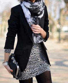 maar dan met dat zwart grijze h&m jurkje en je grijze panter sjaal