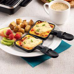 Raclette omelette déjeuner Fondue Raclette, Raclette Recipes, Best Omelette, Brunch, Avocado Egg, Yummy Food, Yummy Recipes, Four, Breakfast Ideas