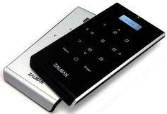 操作に便利なタッチパッド搭載。仮想ドライブとして使用できる、2.5インチドライブ対応の外付けHDDケース     ZM-VE400シリーズ 製品情報 Zalman ストレージ関連 | 株式会社アスク