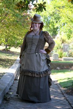 plus size steampunk - COSPLAY IS BAEEE! Tap the pin now to grab yourself some BAE Cosplay leggings and shirts! From super hero fitness leggings, super hero fitness shirts, and so much more that wil make you say YASSS! Plus Size Steampunk Costume, Steampunk Clothing, Steampunk Fashion, Victorian Fashion, Steampunk Cosplay, Larp, Plus Size Cosplay, Steampunk Hairstyles, Curvy Outfits