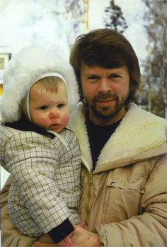 Björn with Emma. Ulvaeus then married music journalist Lena Kallersjö on 6 January 1981. This marriage produced two daughters: Emma (born in 1982) and Anna (born in 1986).