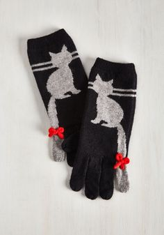 Ailurophile Style Gloves. Everyone from close pals to random passersby will know youre a committed cat person when you waltz by in these wooly gloves! #black #modcloth