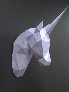DIY Mounted paper horse or unicorn head (low poly papercraft)