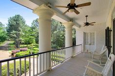 A plantation-style home in Mississippi is up for sale