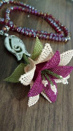 Embroidery Fashion, Beaded Embroidery, Embroidery Stitches, Cross Designs, Cross Stitch Designs, Cross Stitch Patterns, Wreath Crafts, Paper Crafts, Diy Crafts