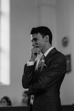 first look // groom sees bride for the first time at their wedding ceremony // g… – wedding photography bride and groom Perfect Wedding, Dream Wedding, Wedding Day, Wedding Beauty, Wedding Venues, Wedding Black, Wedding Groom, Wedding Couples, Elegant Wedding
