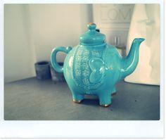 I LOVE elephants and I LOVE teapots and I LOVE that color blue!!!!! <3