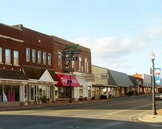 Although it is growing tremendously and changing each time I visit, the original part of downtown Tahlequah is still very retro, with the Town Square and all.