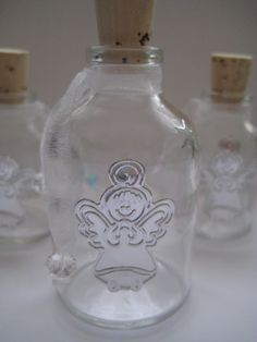 Bolos y recuerdos para Bautizo y Primera Comunion: Botellitas para agua Bendita Ideas Bautismo, Vodka Bottle, Water Bottle, Boys First Communion, Holidays And Events, Christening, Metal Working, Pewter, Holiday Gifts