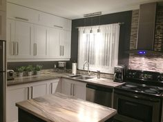 - Cuisine New Zone Refacing Cuisine, Kitchen Refacing, Kitchen Redo, Kitchen Cupboards, Kitchen Layout, Kitchen Dining, Cabinets, Fixer Upper Kitchen, Cute Kitchen