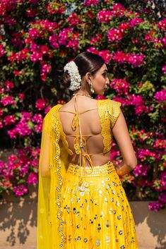 If we could have crushes on lehengas, (which we do time and again), our latest one would be on mirror work lehengas. Sitting and browsing through pretty mirror work lehengas has become our new hobby,. Indian Bridal Fashion, Indian Fashion Dresses, Indian Designer Outfits, India Fashion, Japan Fashion, Fashion Outfits, Fancy Blouse Designs, Bridal Blouse Designs, Saree Blouse Designs