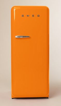 bright 50s style Smeg refrigerator  http://rstyle.me/n/euhckpdpe