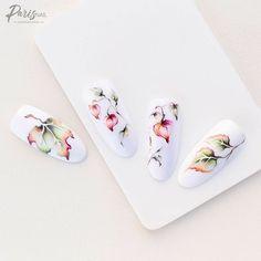 Aqua Nails, White Nails, Nail Art Designs Videos, Cool Nail Designs, Nail Art Fleur, New Nail Colors, Water Color Nails, Watercolor Painting Techniques, Romantic Flowers