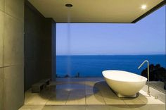 Cliff House, Outdoor Bath and Shower