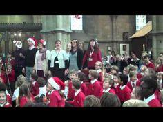 "Teachers Surprise Children With ""Let It Go"" Flashmob During Carol Service"