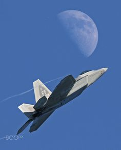 Jets Break The Sound Barrier Military Jets, Military Weapons, Military Aircraft, Air Fighter, Fighter Jets, Stealth Bomber, F22 Raptor, Meteor Shower, Fighter Aircraft