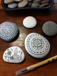 Stone painting   http://www.flickr.com/photos/mmtrujilloa/with/8848904895/