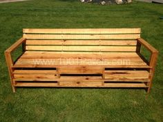 Bench made with 2m pallets | 1001 Pallets