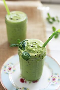 Healthy Mint Chip Milkshake