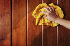 Tu armario de la limpieza está lleno de productos tóxicos. Si te parases a leer una por una la composición de los y artículos de limpieza que compras en el supermercado te
